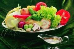 """Вкусные рецепты: Красный Бархат, супчик """"сама нежность"""", Копченный куриный окорок с грибами и картофелем."""